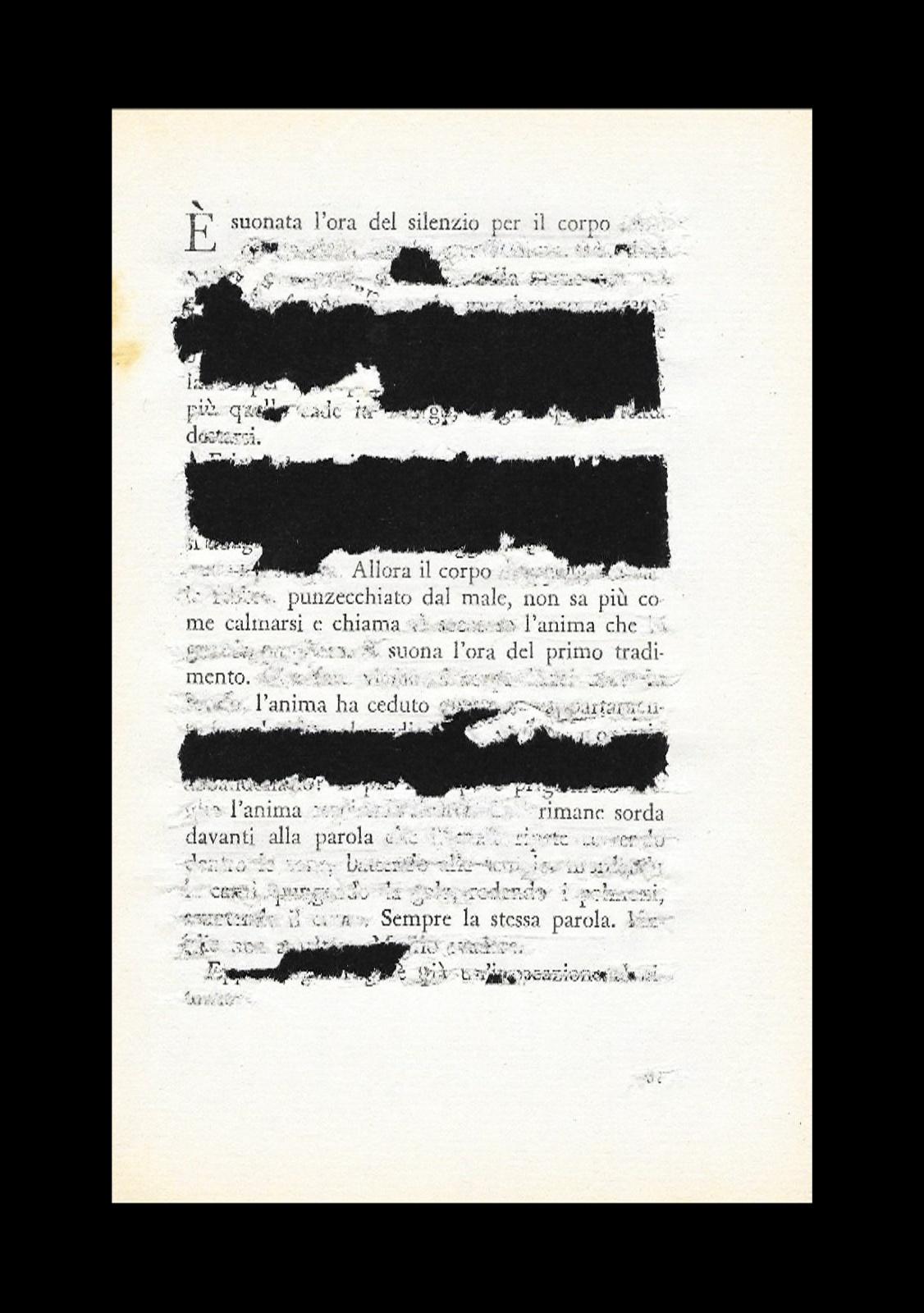 È suonata l'ora del silenzio per il corpo - cacciavite su pagina in esilio dal libro - cornice 18x24